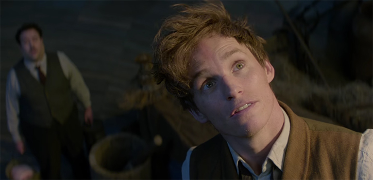 Eddie Redmayne gives this amazing emery to the character of Newt Scamander. Fantastic Beasts and Where to Find Them. Image Credit: Warner Bros.