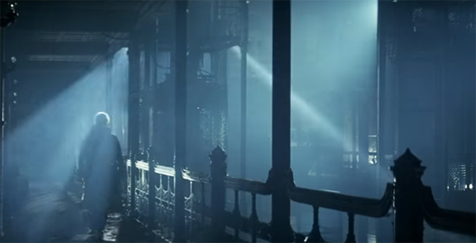The power of light and dark to tell a story. Blade Runner. Image Credit: Warner Bros.