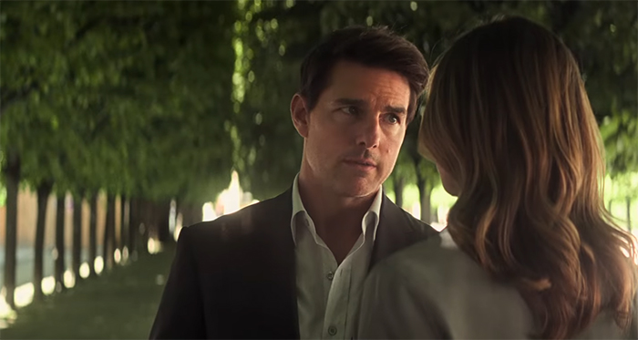 Tom Cruise does a full smoulder. Image Credit: Paramount Pictures/Bad Robot